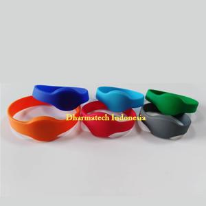 Silicone Wristband Gelang RFID